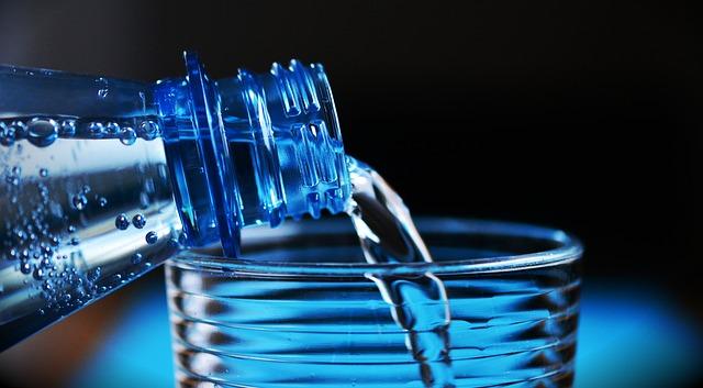 bea apa ca sa slabesti